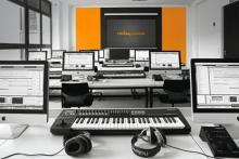 Unser hochwertig ausgestatteter IT Klassenraum für Kurse und Workshops in Musikbusiness, Musikproduktion und Musikwissen