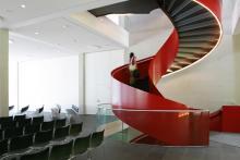 Foyertreppe im Seecampus der Zeppelin Universität
